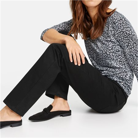 Gerry Weber Romy Straight Fit' Jean Black  - Click to view a larger image